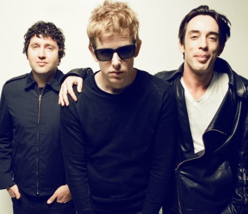 DIVINE FITS (SPOON, WOLF PARADE) PLOT DEBUT ALBUM