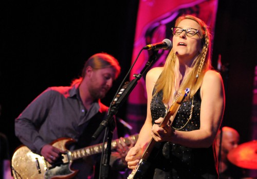 TEDESCHI TRUCKS BAND DISPLAYS STRONG CHEMISTRY