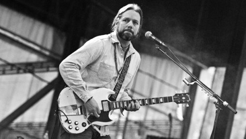 AS THE CROWE FLIES:  A CHAT WITH RICH ROBINSON