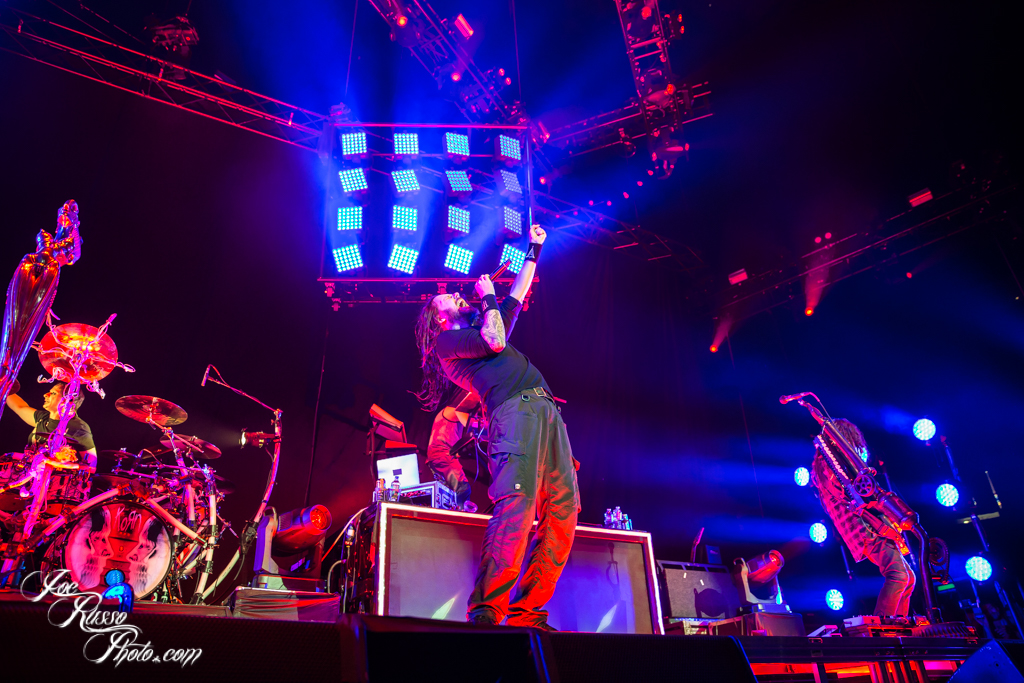 KORN 'PREPARES FOR HELL' WITH SLIPKNOT AT IZOD CENTER