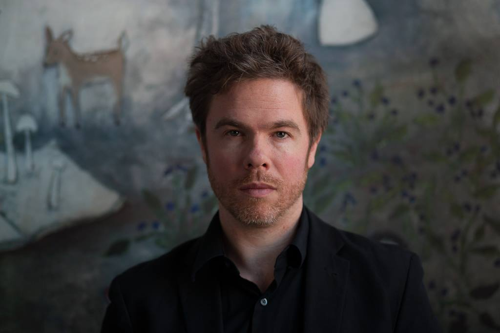 JOSH RITTER, 'AN INTROVERT AT HEART,' OPENS UP ON STAGE