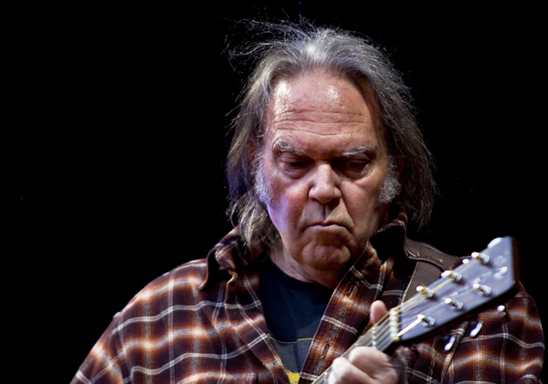 NEIL YOUNG RELEASES STATEMENT ON DONALD TRUMP