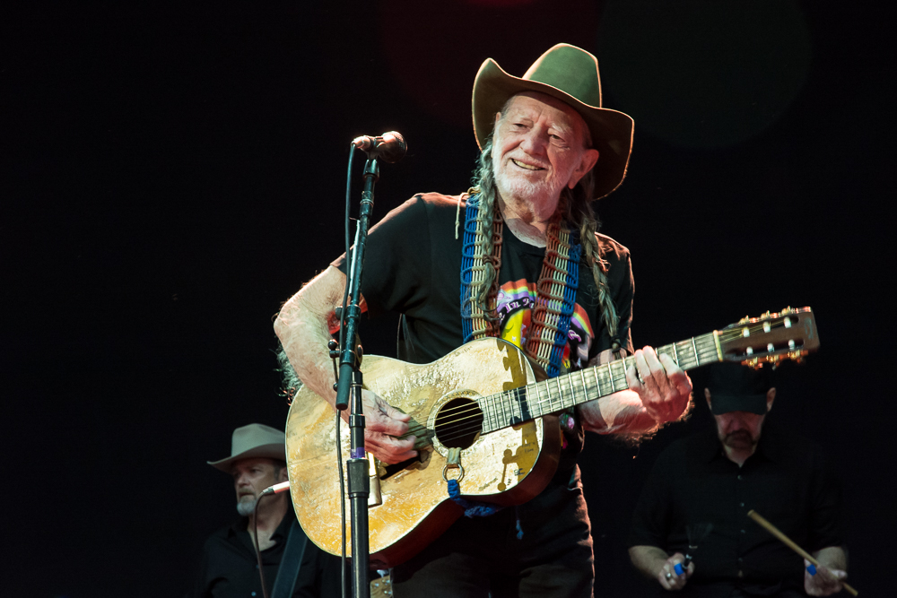 WILLIE NELSON, NEIL YOUNG, SHERYL CROW TO PLAY OUTLAW MUSIC FEST IN SCRANTON