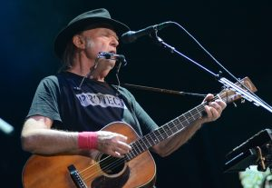 outlaw-neil-young_2724