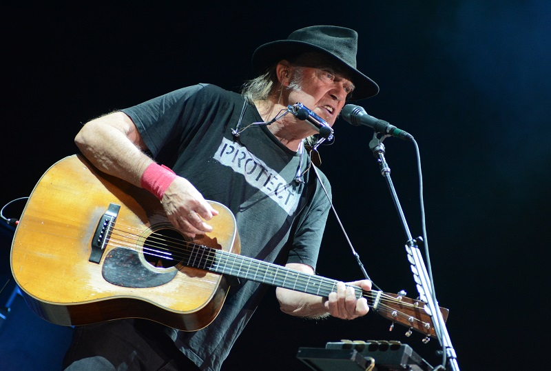 'OLD MAN' NEIL YOUNG'S EPIC SET HIGHLIGHTS INAUGURAL OUTLAW FEST