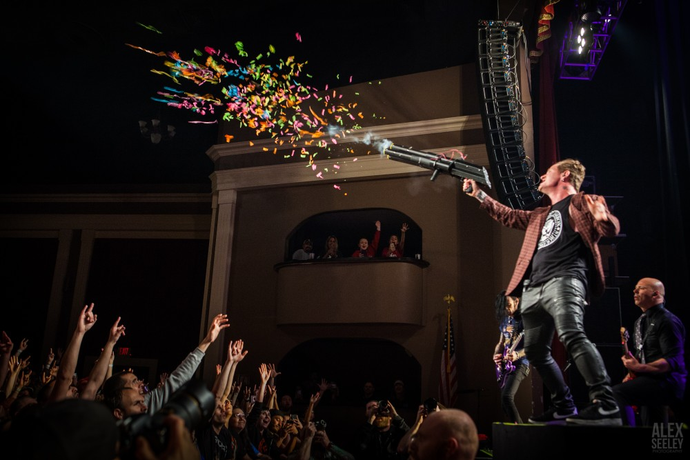 STONE SOUR SATISFIES SHERMAN THEATER CROWD WITH FUN-LOVING PERFORMANCE