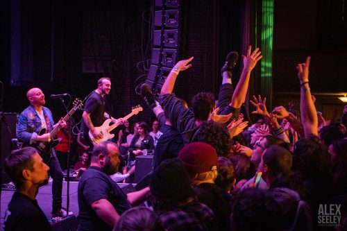THE MENZINGERS' HOMECOMING HOLIDAY SHOW RETURNS TO SCRANTON