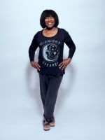 JOAN ARMATRADING CHATS ABOUT LIVESTREAM CONCERT AND WHY SHE RECORDS HER MUSIC ALONE