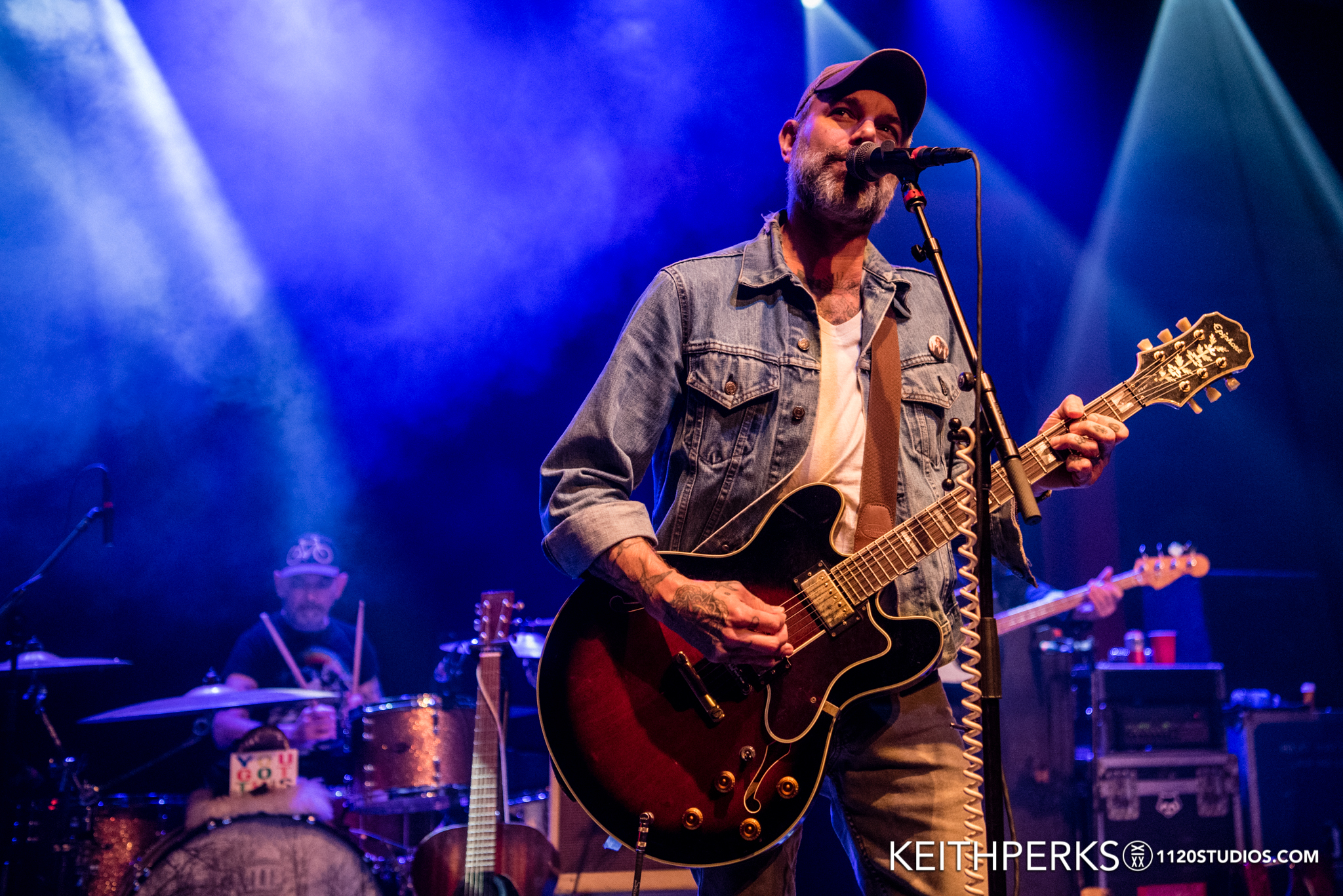 LUCERO MAKES HEARTBREAK AND WHISKEY SOUND LIKE HEAVEN AT MUSIKFEST CAFE
